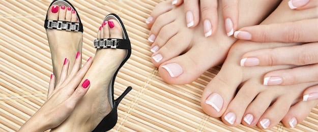 Modelácia gelových nechtov na nohách