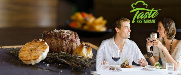 Hovädzí steak s pfeffer omáčkou, domácimi hranolkami a oblohou