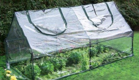 Kvalitný skleník pre chutné domáce ovocie a zeleninu