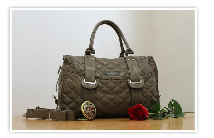 26eb35cfb8 Krásna väčšia nadčasová kabelka zemitej farby. Rozmery dľžka 43cm