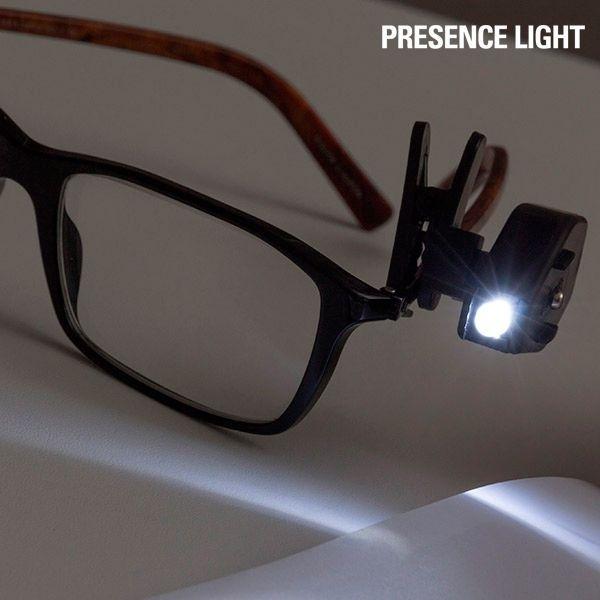 Klip na okuliare s 360º LED svetlom